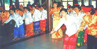 Maengket Dance from North Sulawesi